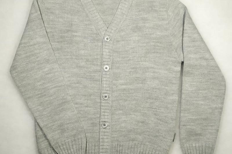 Sweterek chłopięcy w serek /348/ szary